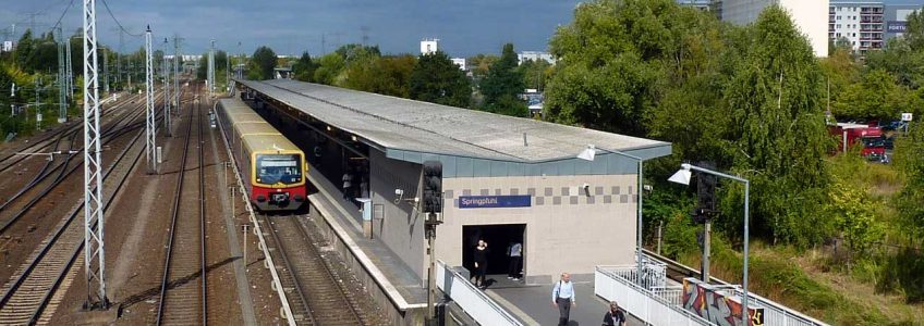 Zahnarzt Berlin Marzahn-Hellersdorf - S-Bahnhof Springpfuhl